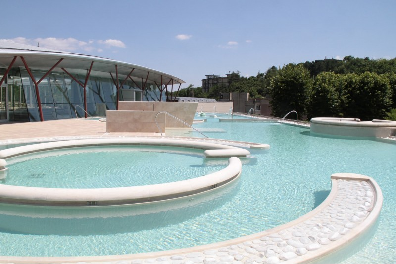 Piscine_Theia.jpg